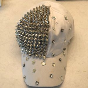 Accessories - Baseball hat, white with spikes and studs